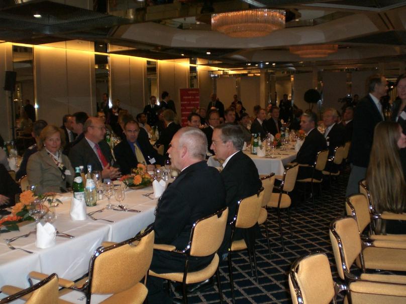 Minister zu Guttenberg bei der ZEIT-Konferenz in Hamburg