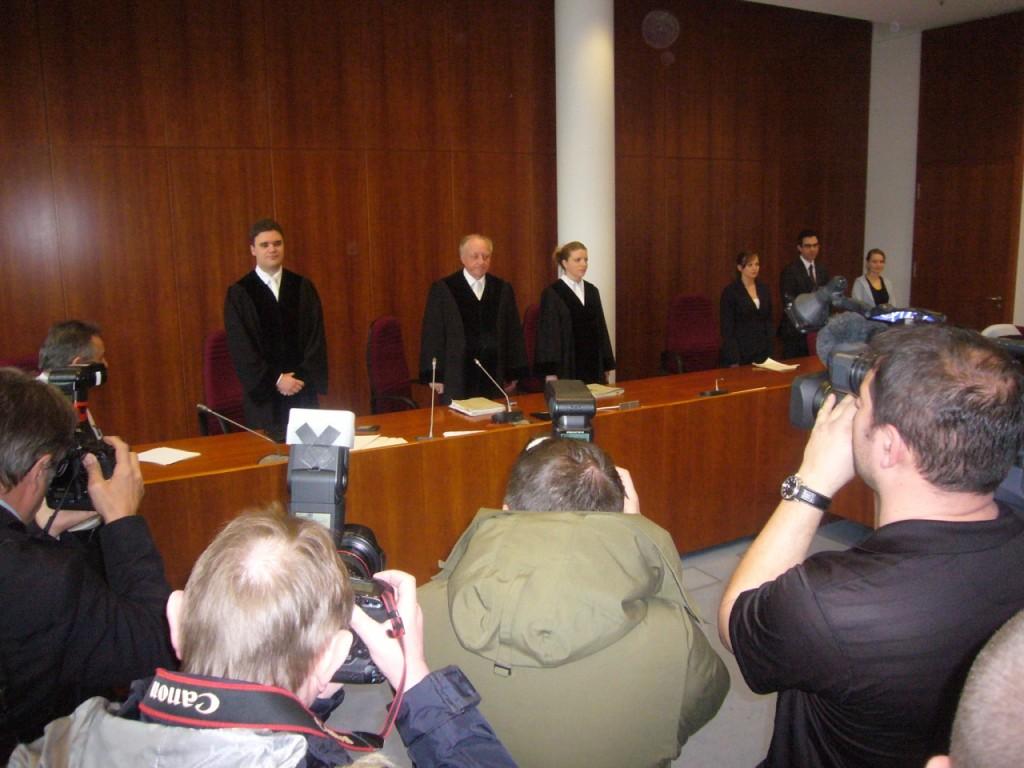 Landgericht Bonn: Blutgeld nach Tanklasterbombardierung?